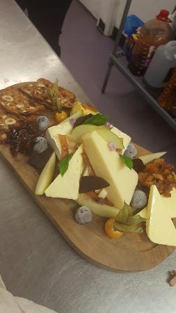 Devonshire Arms Inn: Food