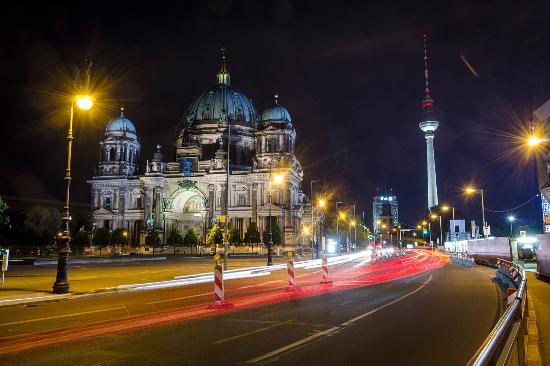 Aperture Tours - Berlin
