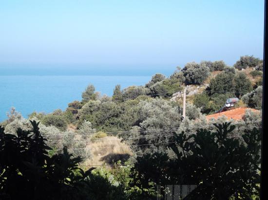 Uzunyurt, Turquía: View through the pictyure window in the Villa