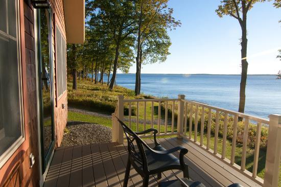 Lincolnville, ME: Private waterfront decks