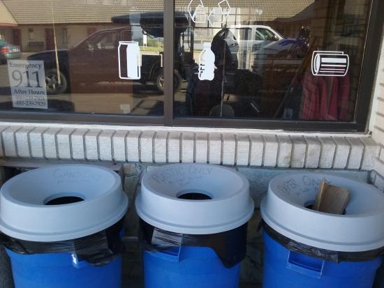 Robbers Roost Motel: Recycling Center! So great to see! :)