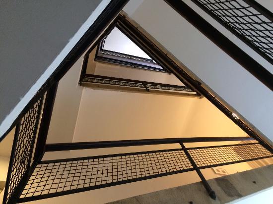 ذا روث تشايلد 71: Magnifique escalier Bauhaus