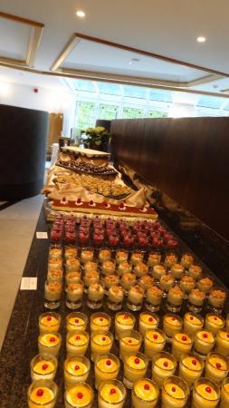 Hotel Rosengarten: Auswahl beim Buffet