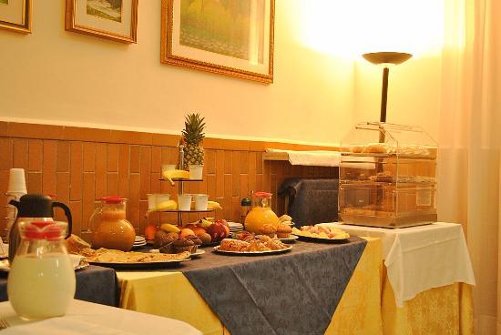 Albergo Giusti: Buffet du petit déjeuner