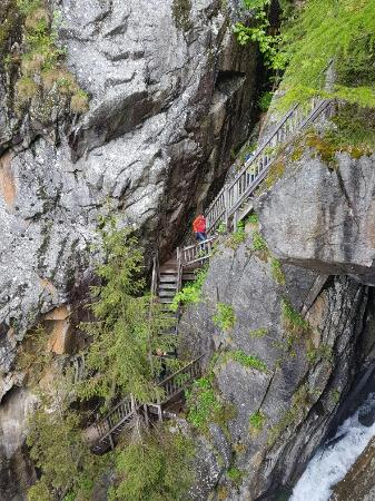 Salvan, İsviçre: 20160603_151405_large.jpg