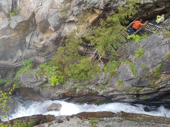 Salvan, İsviçre: 20160603_151350_large.jpg