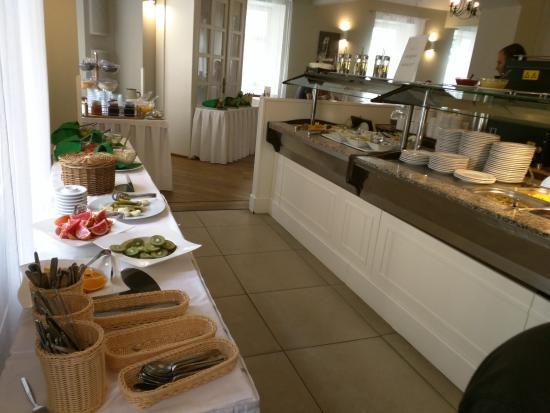 Three Crowns Hotel : Breakfast