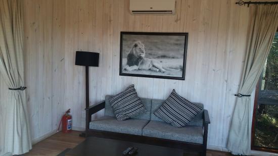 Kariega Game Reserve: 20160601_131029_large.jpg