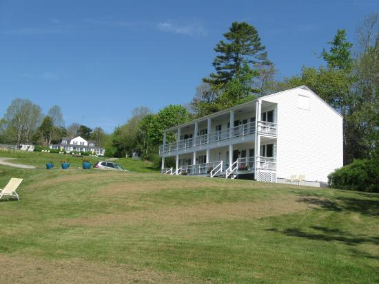 High Tide Inn