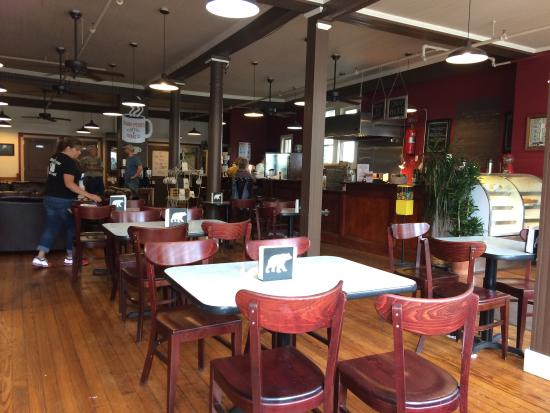 Tannersville, NY: Twin Peaks Coffee & Donuts