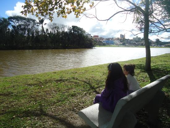 Estado de Paraná: vista do lago