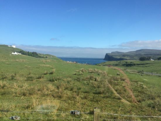 Carters Rest Guesthouse: This was our view over breakfast looking over the bay