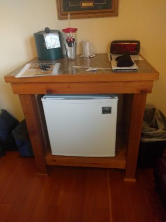 McGregor, MN: Refrigerator/alarm clock area