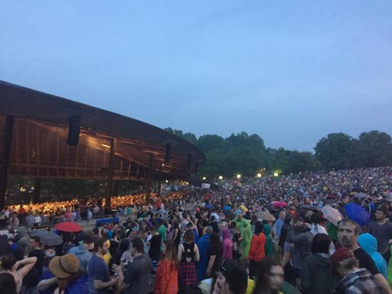 Blossom Music Center: The view stunk from the lawn-- but the sound is unmatched!