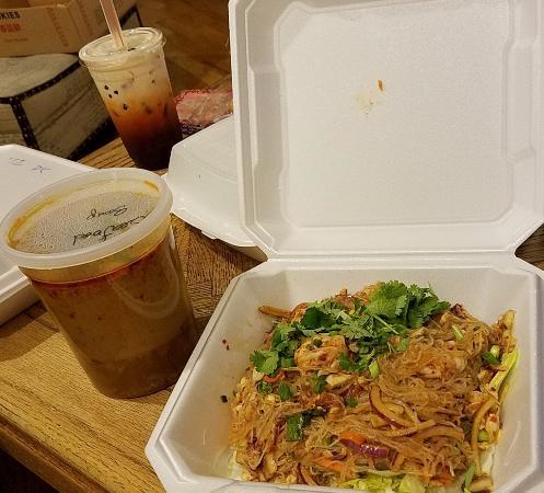Bangkok West Cuisine: Takeout — Jelly Noodle Salad (Yum Woo Sen), bubble tea and Thai iced tea
