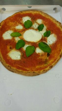 Elvis'S Pizza Di Chilin Elvis