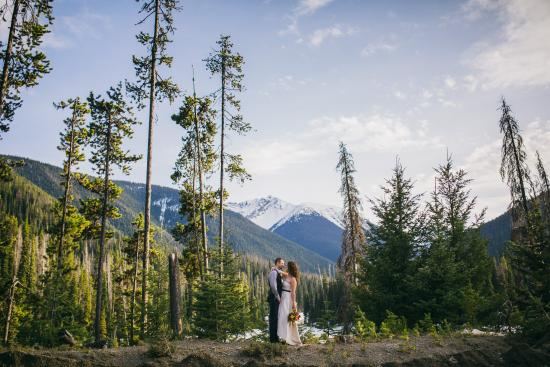 Manning Park Resort: Beautiful weddings - all year long!
