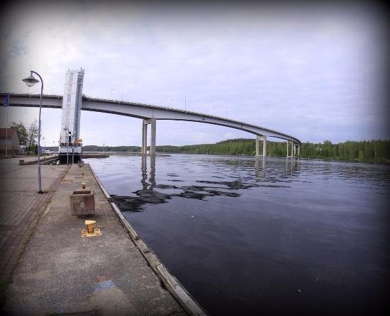 Puumalansalmen silta ja näköalahissi