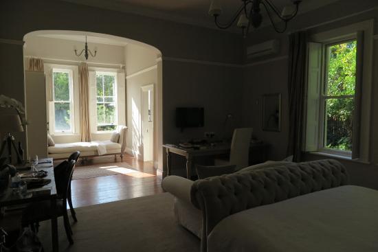 Middedorp Manor: Downstairs room