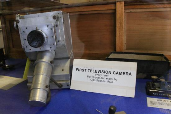 Bloomfield, NY: Here's where television began from a technical viewpoint. Black and white video.
