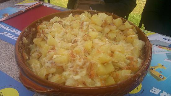 cuisine du terroir - picture of la clef des champs, orcines
