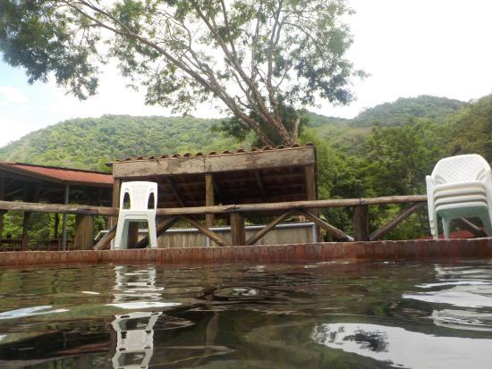 Pueblo Antiguo Lodge & Spa: Agua termal a la intemperie