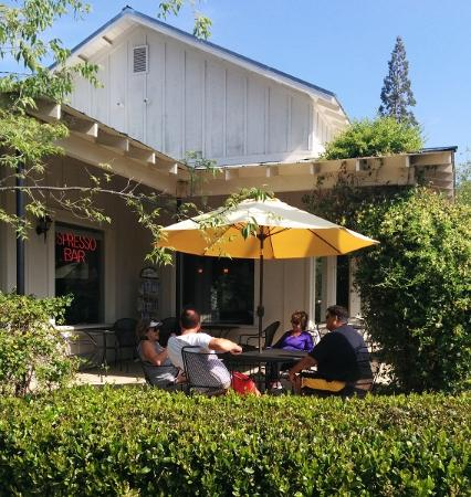 Gold Country Roasters: Patio Dining