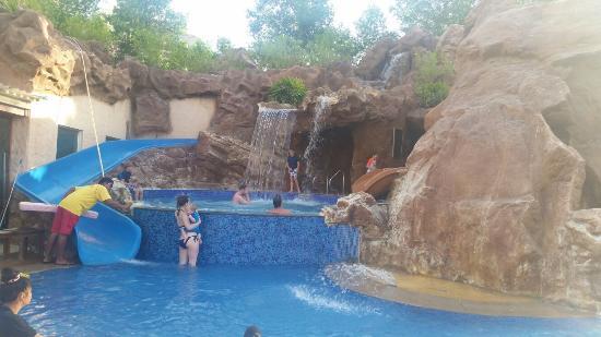 Habtoor Grand Resort, Autograph Collection, A Marriott Luxury & Lifestyle Hotel