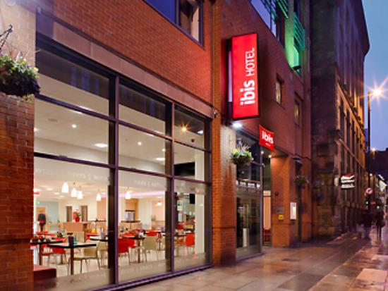 hotel view from outside picture of ibis manchester centre 96 rh tripadvisor com