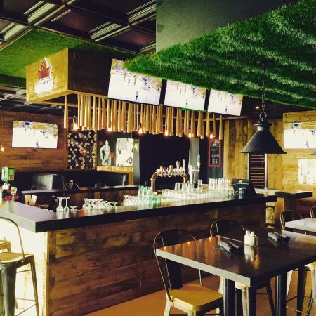La chambre pub terrebonne avis restaurant num ro de for Chambre de commerce de repentigny
