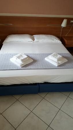 Albergo meuble abatjour hotel reviews price comparison for Albergo meuble abatjour