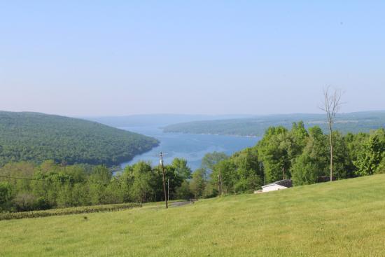 Bluff Point, NY: keuka lake