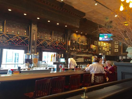 Louie S Oyster Bar Grille Photo6 Jpg