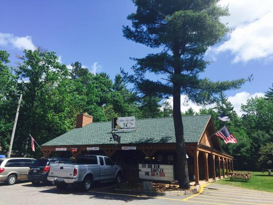Saint Germain, WI: Mom and pop restaurant frequented by locals for good reason.