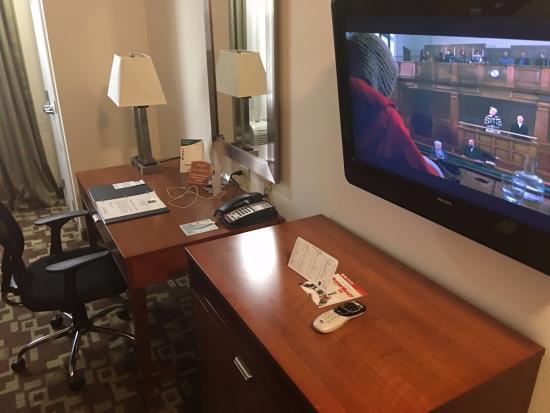 Sleep Inn & Suites Shreveport: office and desk chair