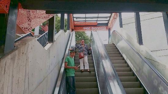 Escaleras Electricas De La Comuna 13