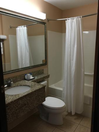 Inn at Treasure Valley: bathroom