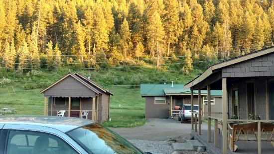 San Juan Motel: View from cabin #7