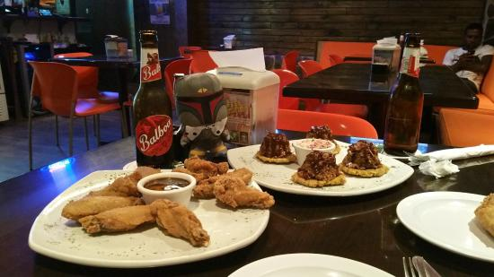 The Shack Pub & Grill: Wings, 'sliders' and cold beers!