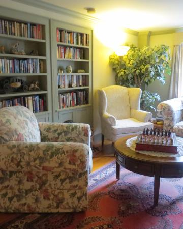 Castleton, VT : Quiet Living Room