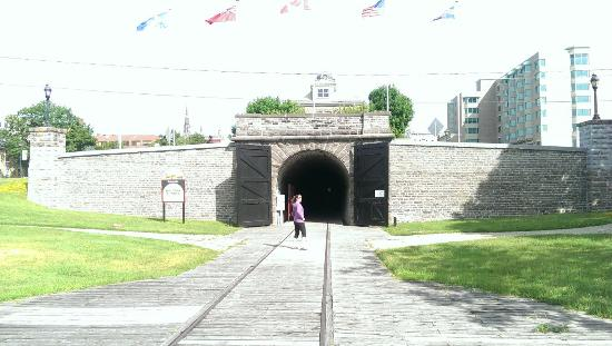 Brockville Railway Tunnel: IMAG4646_large.jpg
