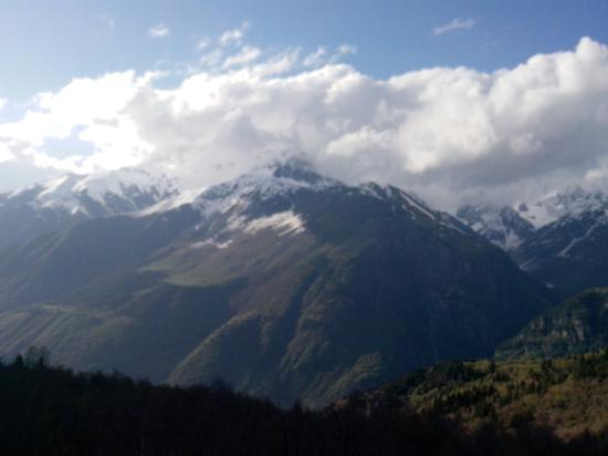 Местиа, Грузия: Красивенные виды, стоит посетить и недалеко от Местии.