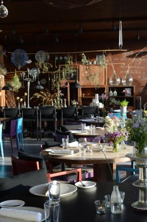 Areias do Seixo: Dining room.