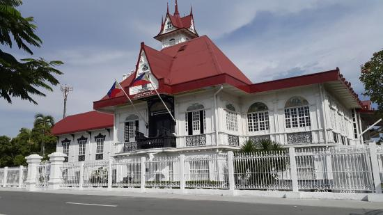 aguinaldo shrine Today, 119 years after that monumental event in our nation's history, we bring  you back to where it happened: the aguinaldo shrine in kawit,.