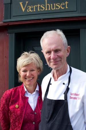 Vaertshuset Baerums Verk: Ulla and Bob