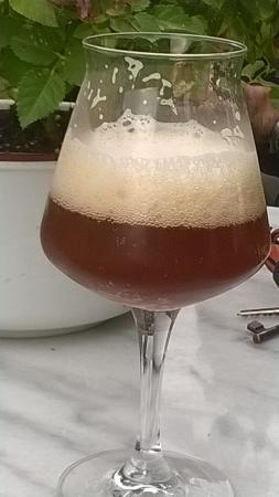 morosina: La birra 🍺 é spettacolare. L'accoglienza ospitale e garbata ci ha fatto sentire a casa!
