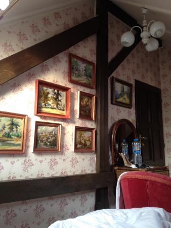 Bed and Breakfeast Villa Madona: Мансардный номер