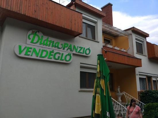Diana Panzio es Etterem