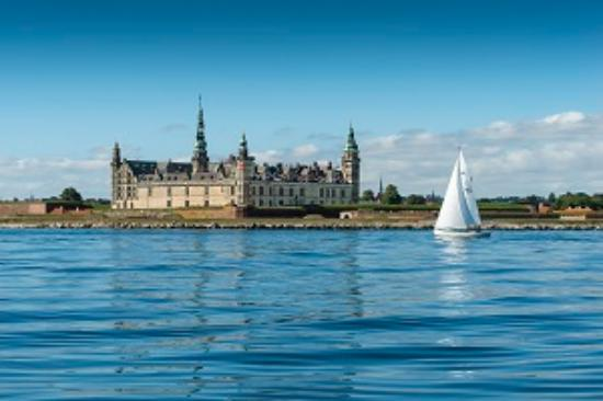 Attraction Review g d Reviews m Kronborg Castle Helsingoer Helsingoer Municipality Copenhagen Region