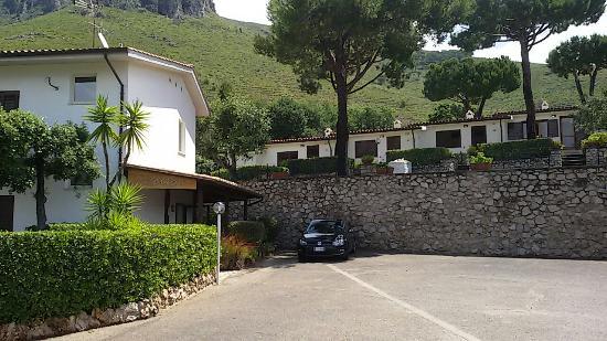 Residence Costa Di Kair Ed Din Photo